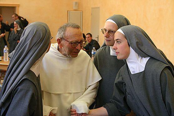 Γυναίκες που κακοποιήθηκαν σεξουαλικά από ιερείς μιλάνε πλέον ανοικτά