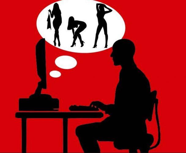 Αγαπητή «Α, μπα»: Το αφεντικό μπαίνει σε site πορνό από τον υπολογιστή μου