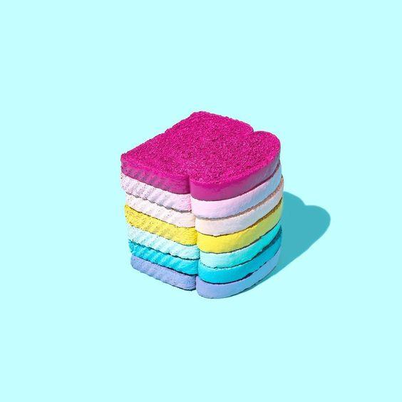 Αγαπητή «Α, μπα»: Μήπως να αλλάξει το ροζ χρώμα του σάιτ;