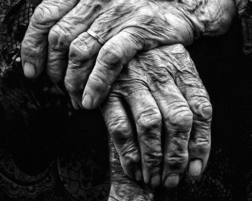 Αγαπητή «Α, μπα»: Ένας άνθρωπος πέθανε διότι όλοι οι γιατροί έλειπαν σε διακοπές