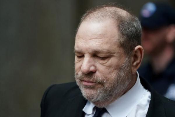Ο Χάρβει Γουάινστιν κατέληξε σε διακανονισμό 25 εκατ. δολαρίων για τις δεκάδες υποθέσεις σεξουαλικής κακοποίησης