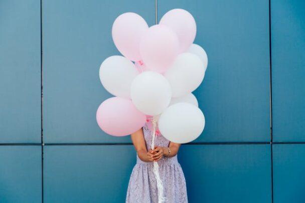 Αγαπητή «Α, μπα»: Πάλι θα περάσω μόνη μου τα γενέθλια μου